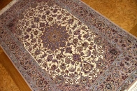 Isfahan persian carpetイスファハンラグ50138