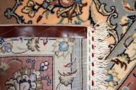 リビングのカーペットのペルシャ絨毯19974