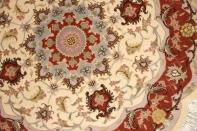 丸い手織りペルシャ絨毯タブリーズ産地メダリオン22203