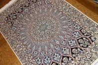 人気ゴンバディーペルシャ絨毯ラグブルーナイン産地75159