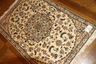 ハンドメイドの玄関マットペルシャ絨毯ナイン産地55027
