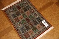 ペルシャ絨毯クムシルクヘシティーデザイン49042