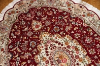 おしゃれな楕円形手織りペルシャ絨毯タブリーズ25729