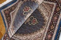 ブルー色マヒデザインタブリーズ産地ペルシャ絨毯44246