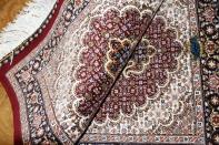 ペルシャ絨毯玄関マット赤い色、タブリーズのマヒデザイン44313