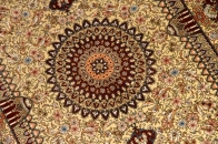 絹のラグマット手織りシルクペルシャ絨毯メダリオン56090