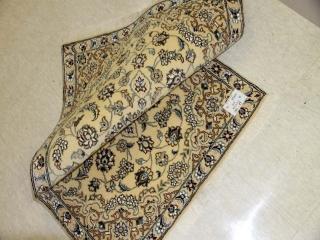 玄関マットのペルシャ絨毯ナイン産地ベージュ55210