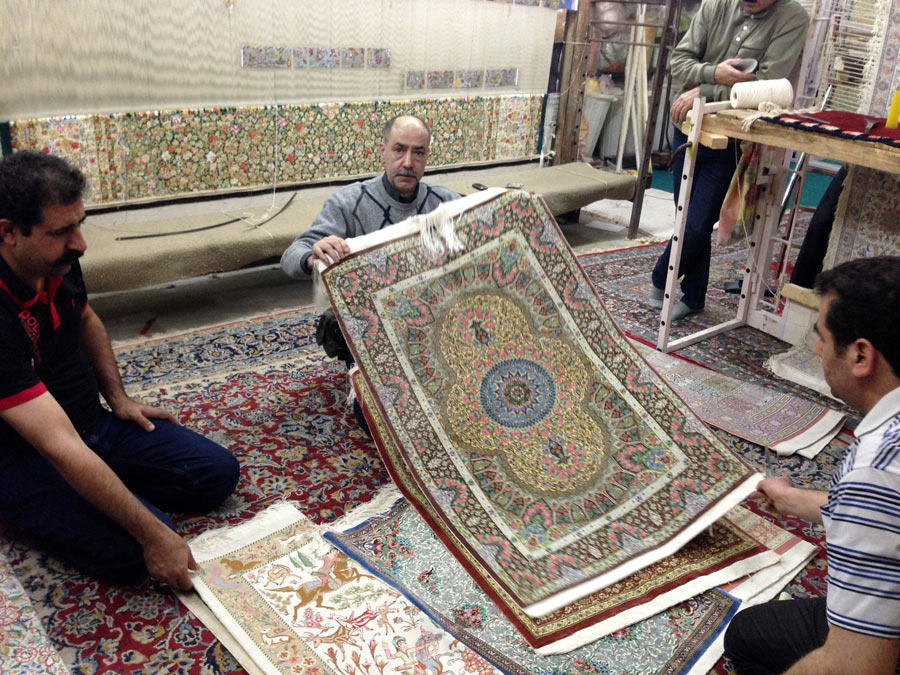 carpet buying in iran 03