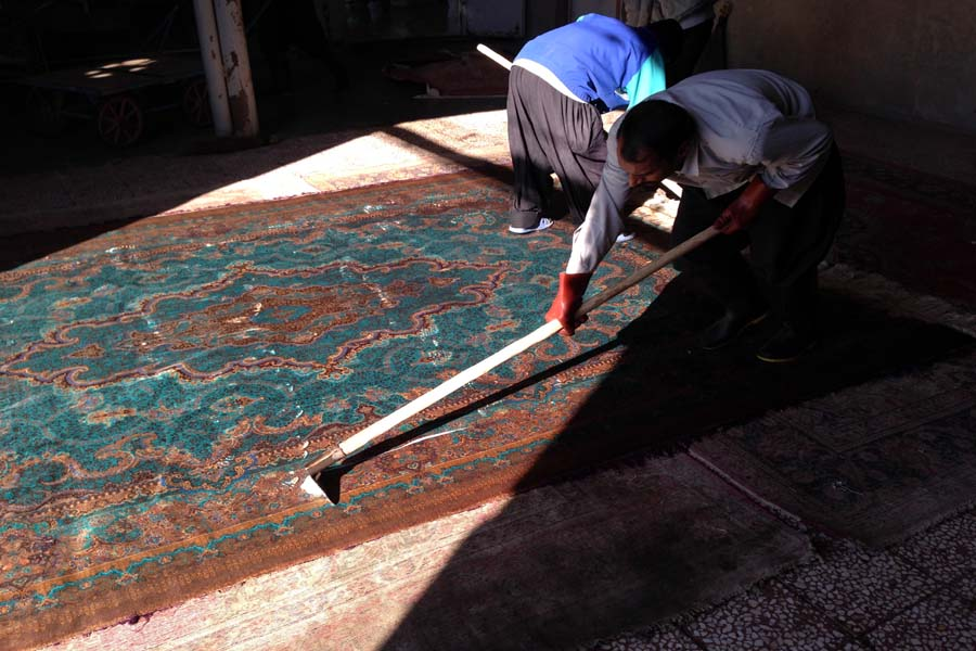 Click to enlarge image persian_carpet_cleaning_1.jpg